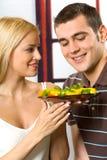Junge glückliche Paare Lizenzfreie Stockfotos