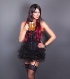 Junge gotische Frau im Korsett Lizenzfreie Stockfotografie