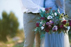 Junge Hochzeitspaare E lizenzfreies stockbild