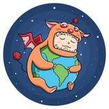 Junge im Monsterkostüm, welches die Welt umarmt Lizenzfreie Stockfotos