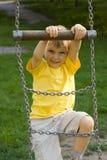 Junge im Park Stockbilder