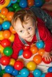 Junge im Spielplatz Lizenzfreie Stockfotografie