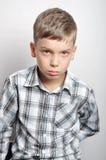 Junge im Studio Lizenzfreie Stockfotos