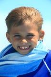 Junge im Wind Lizenzfreie Stockfotografie