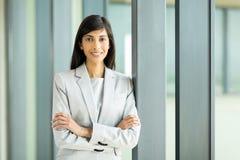 Junge indische Geschäftsfrau stockfotos