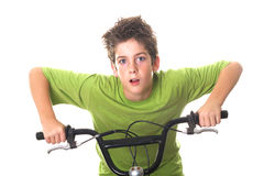 Junge Jungenreitfahrrad-Griffstäbe Stockfotografie