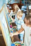 Junge Künstler in Art Studio Lizenzfreies Stockbild