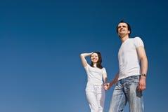 Junge lächelnde Paare Lizenzfreie Stockbilder