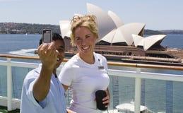 Junge Leute, die Foto in Sidney machen Stockfoto