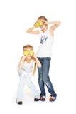 Junge Mädchen der Schönheit mit frischen Äpfeln lizenzfreies stockbild