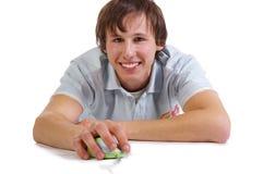 Junge Männer mit Computermaus stockfotos