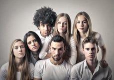 Junge Männer und Frauen lizenzfreies stockbild