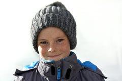 Junge mit bobble Hut Stockbild