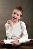 Junge mit dem stacheligen Haar Lizenzfreie Stockbilder