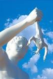 Junge mit einem Frosch, Statue Lizenzfreies Stockbild