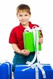 Junge mit einem Geschenk Stockfoto