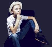 Junge mit einem Hut Lizenzfreie Stockbilder