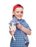 Junge mit einem Slingshot Lizenzfreie Stockfotos