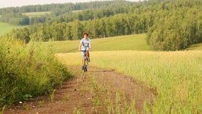 Junge mit Fahrrad stock video footage