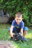Junge mit Hund Stockfotografie