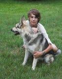 Junge mit Hund Stockbild