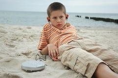 Junge mit Plattenmann Stockbild