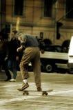 Junge mit Skateboard Lizenzfreie Stockbilder