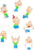 Junge mit verschiedenen Gegenständen in den Händen von Stockbilder