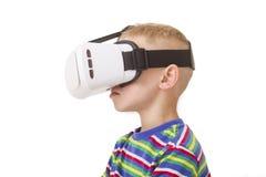 Junge mit VR-Schutzbrillen Lizenzfreies Stockfoto