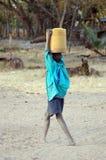 Junge mit Wasser Stockbilder