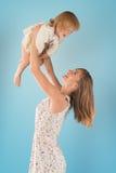 Junge Mutter lizenzfreie stockfotografie