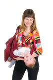 Junge Mutter mit Schätzchen im plazing Riemen stockfotografie