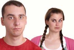 Junge Paarargumentierung stockbild