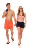 Junge Paare in der Badebekleidung Stockfoto