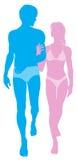 Junge Paare in der Liebe in der Badebekleidung Stockfotografie