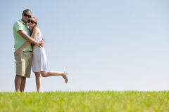 Junge Paare, die eine gute Zeit haben Lizenzfreie Stockbilder