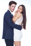 Junge Paare, dieglücklich schauen Stockbilder