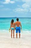 Junge Paare, die zusammen schnorcheln Lizenzfreie Stockfotografie