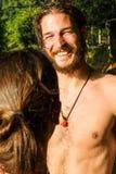 Junge Paare im Wasser lizenzfreie stockfotos