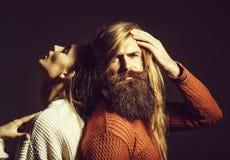 Junge Paare mit dem unordentlichen Haar stockfotografie