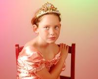 Junge Prinzessin, die ernst schaut Lizenzfreies Stockfoto
