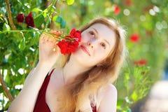 Junge romantische Frau lizenzfreie stockfotos