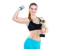 Junge rothaarige Athletenfrau Stockfoto