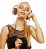 Junge süße begabte Jugendliche beim Kopfhörer-Gesang lokalisiert Stockfotografie