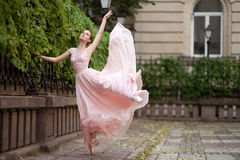 Junge schöne Ballerina Lizenzfreies Stockfoto