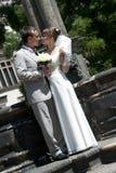 Junge schöne Hochzeitspaare der Mann und die Frau Lizenzfreies Stockbild