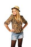 Junge schöne lächelnde blonde Frau stockfoto