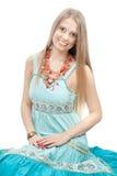 Junge schöne lächelnde Frau Lizenzfreie Stockfotos