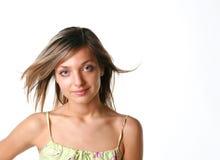Junge schöne lächelnde Frau Lizenzfreies Stockfoto
