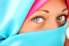Junge schöne moslemische Frau Stockfotografie